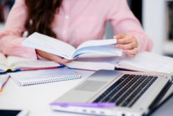 essay structure thesis statement example